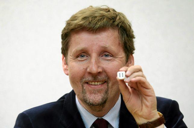 """Marek Migalski po 10 latach uzyskał habilitację. """"Fatalne świadectwo dla naukowców"""""""