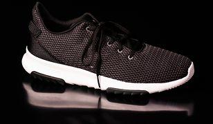Modne sneakersy możemy włożyć nie tylko do spodni