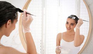Jak farbować włosy? Koloryzacja włosów w domowym zaciszu