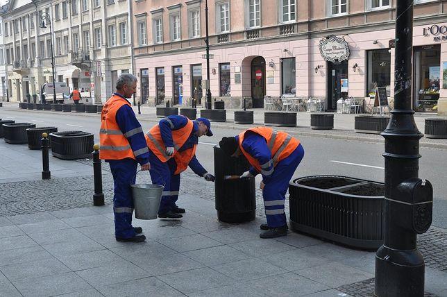 Trwa czyszczenie miejskich mebli!
