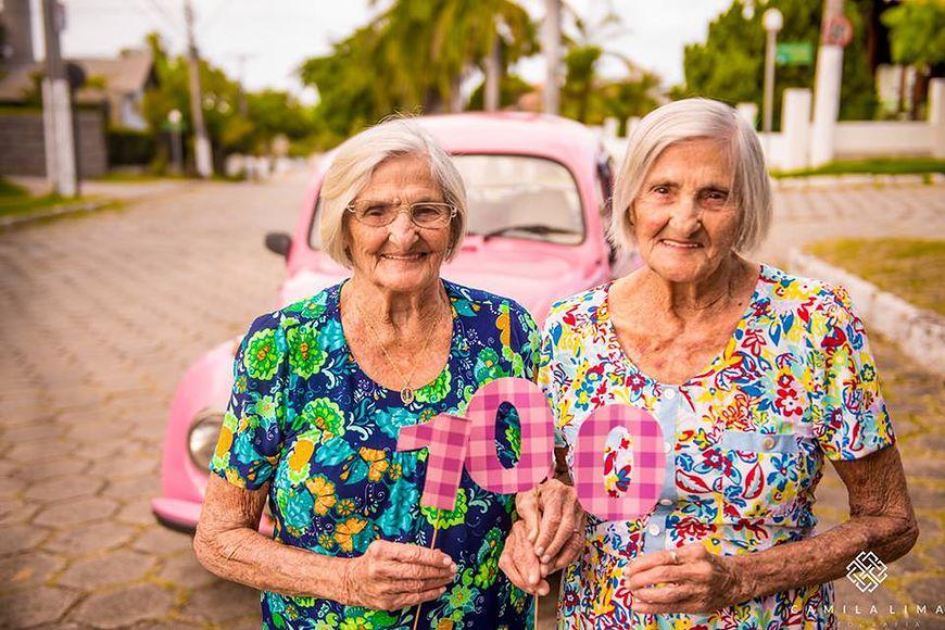 100-letnie bliźniaczki