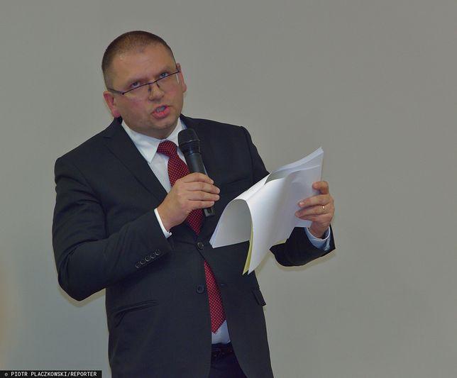 Sędzia Maciej Nawacki podarł uchwałę. Wiceminister Michał Wójcik komentuje