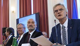 Od lewej: Wiesław Binienda, Wacław Berczyński, Antoni Macierewicz i Kazimierz Nowaczyk