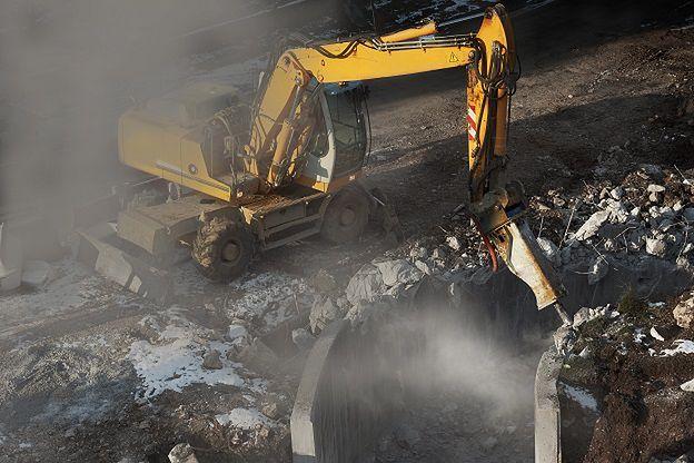 Budowlańcy w wyniku kłótni stoczyli bitwę na buldożery