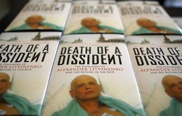 """Książka """"Śmierć dysydenta"""" napisana przez żonę i przyjaciela Aleksandra Litwinienki"""
