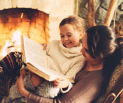 Kominek jako dodatkowe źródło ciepła to spora oszczędność – odpowiednio zaizolowany pozwala na zmniejszenie konieczności dogrzewania domu lub mieszkania