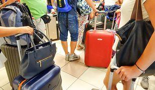 Wakacje. Rząd przedłuża zakaz lotów międzynarodowych. Lista państw