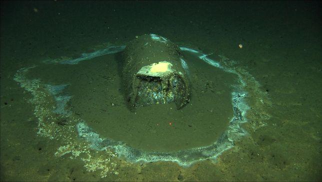 Znaleziono ponad 27 000 beczek z odpadami na dnie morza
