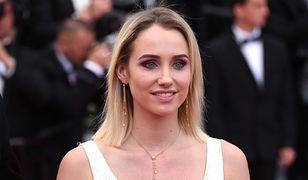 Mówi, że została zgwałcona przez 59-letniego reżysera tuż po powrocie z festiwalu w Cannes.