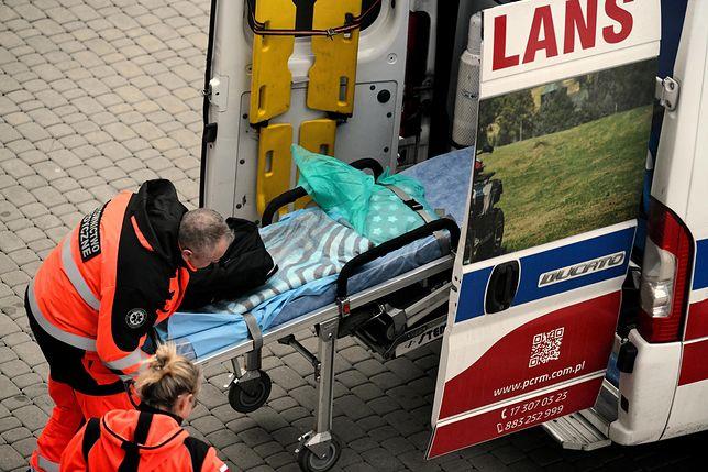 Koronawirus w Polsce. Ratownicy medyczni alarmują w sprawie braków w sprzęcie ochrony osobistej