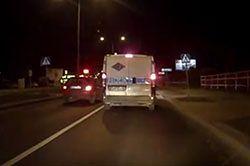 #dziejesiewmoto [368]: wykroczenie obok policji, parkowanie Porsche i bezkarny motocyklista