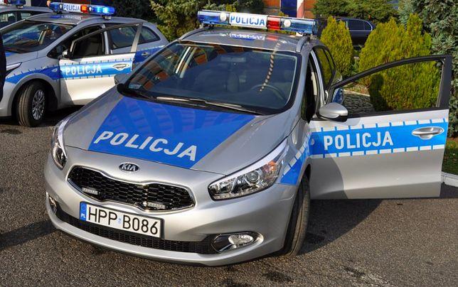 Warszawa. Tragedia we Włochach. Z okna na siódmym piętrze budynku wypadła osiemnastomiesięczna dziewczynka