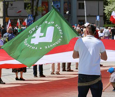Polscy narodowcy we Włoszech. ONR patroluje plaże w Rimini