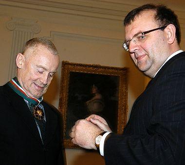 Daniel Olbrychski odznaczony złotym medalem Gloria Artis