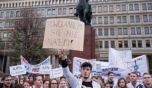 Protest studentów medycyny w Katowicach