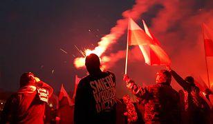 """Marsz Niepodległości. Spalili flagę Ukrainy. Ostra reakcja ambasady na """"haniebny czyn"""""""