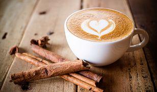 Kawa jak w kawiarni. Domowe sposoby na udany poranek