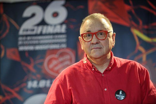 Jurek Owsiak wysyła listy do minister. Osobiście zawozi je do gmachu resortu