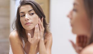 Stosowanie toniku pomaga przywrócić naturalne pH skóry