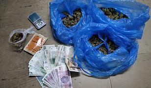 Warszawa. Marihuana w szufladzie. Usłyszał zarzuty