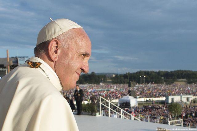 SMS-y, twardy dysk i kanapa. Mądre słowa papieża