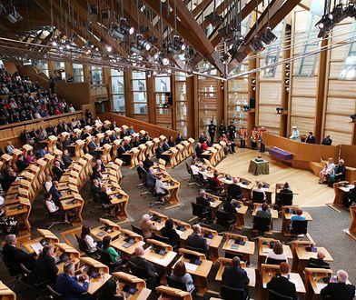 Edynburg: podejrzane paczki przesłane do szkockich polityków