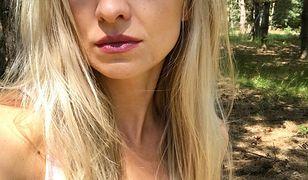 Barbara Kurdej-Szatan znowu rozebrana. Odsłania nagie ramiona i nogi