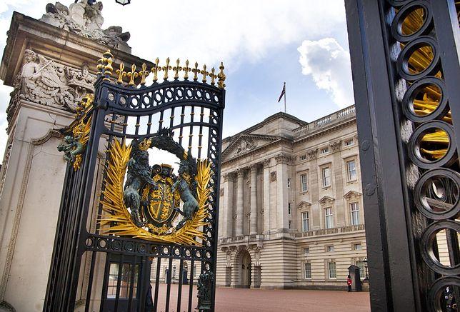 Największy na świecie pałac królewski, który od 1837 r. pełni funkcję oficjalnej siedziby monarszej