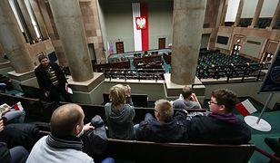 W środę rusza dodatkowe posiedzenie Sejmu. Posłowie będą dyskutować na wiele gorących tematów.