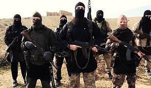 Terroryści ISIS. Czy da się ich zresocjalizować?