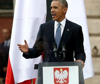 Prezydent USA Barack Obama przemawia podczas głównych uroczystości z okazji 25-lecia Wolności w 25. rocznicę wyborów parlamentarnych na placu Zamkowym w Warszawie