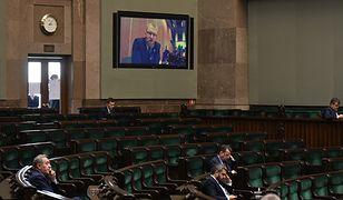 Historyczne posiedzenie Sejmu, prowadzone częściowo w trybie zdalnym