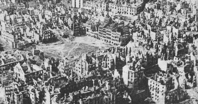 Stare Miasto po Powstaniu Warszawskim, styczeń 1945 roku