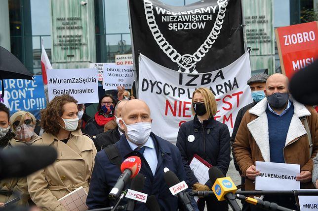 Izba Dyscyplinarna decyduje o losie sędzi Beaty Morawiec. Przed Sądem Najwyższym trwa demonstracja