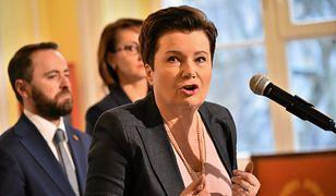 """""""Skandal"""". Hanna Gronkiewicz-Waltz uderza w rząd PiS. Oberwało się też prezydentowi"""