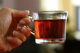 """""""Wytapia"""" tłuszcz, kiedy śpisz. Wszystko dzięki jednemu składnikowi zawartemu w herbacie"""