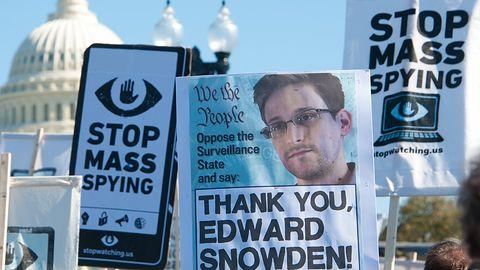 """Edward Snowden nie zarobi ani centa na """"Pamięci nieulotnej"""". Zyski przejmie rząd"""