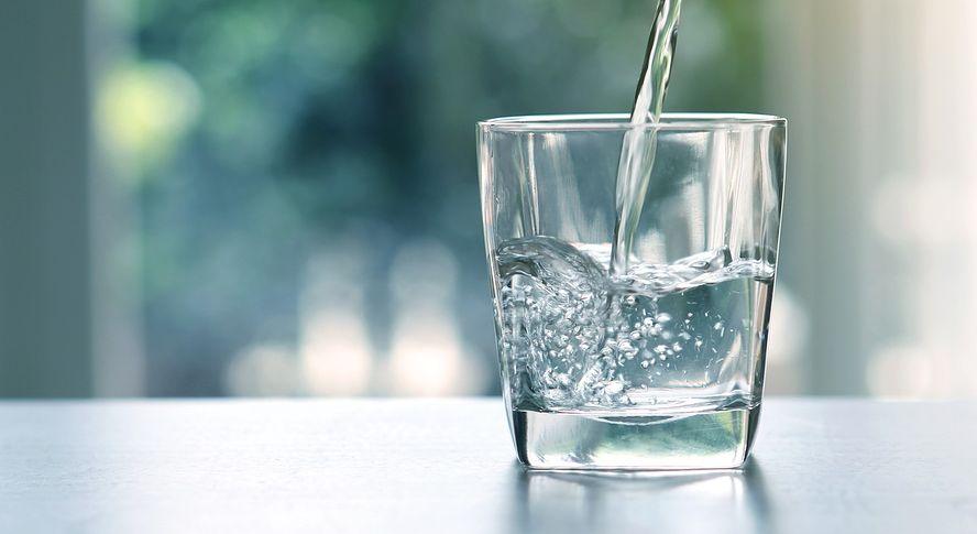 Tyle wody powinieneś pić, jeśli chcesz schudnąć