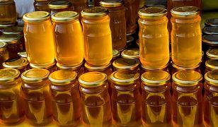 Miód dostarcza solidnej dawki cennych składników odżywczych