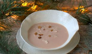 Wigilijna zupa migdałowa. Słodki akcent na świątecznym stole