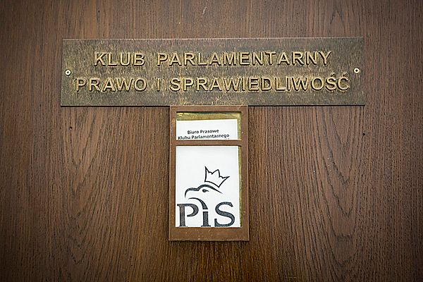 Wojciechowski: mamy do czynienia z sitwiarską Polską