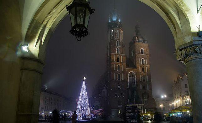 """Kraków mówi """"nie"""" reklamom zamiast ozdób świątecznych"""