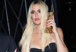 """Khloe Kardashian spotkała się z chirurgiem. Chce być """"żywym filtrem"""""""