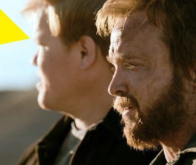 """Jesse Pinkman i Todd Alquist w jednej z retrospekcji w """"El Camino"""". Kiedy Todd zdążył tak przytyć?"""