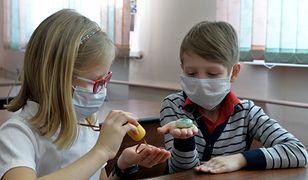 Szczególnie narażeni na zachorowania są dzieci i osoby starsze