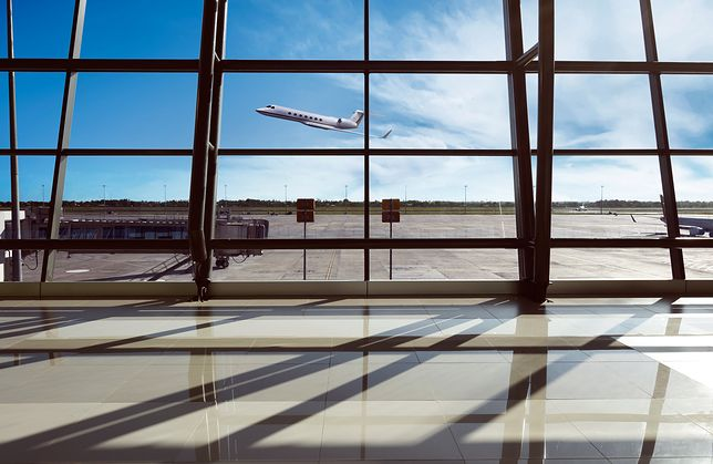Zdjęcia terminalu lotniskowego w Dżakarcie, Indonezja