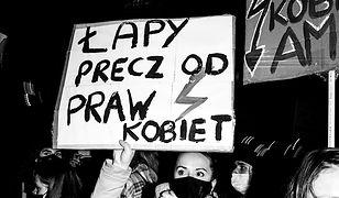 Strajk Kobiet. Wrocławianki potraktowane gazem w święto kobiet. Odpowiedzieć mają szef komendy i naczelnik wydziału prewencji