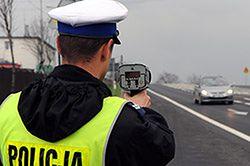 Policjanci w święta będą kontrolować samochody i pieszych