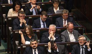 Joanna Lichocka w Sejmie i słynny gest w kierunku opozycji.