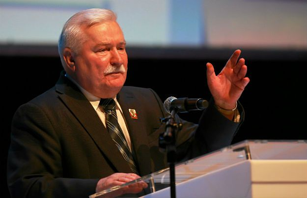 Historycy: teczka Wałęsy na pewno autentyczna, ale pismo może być nie jego
